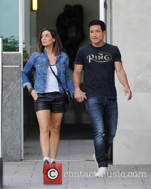 Mario Lopez and Courtney Mazza 2