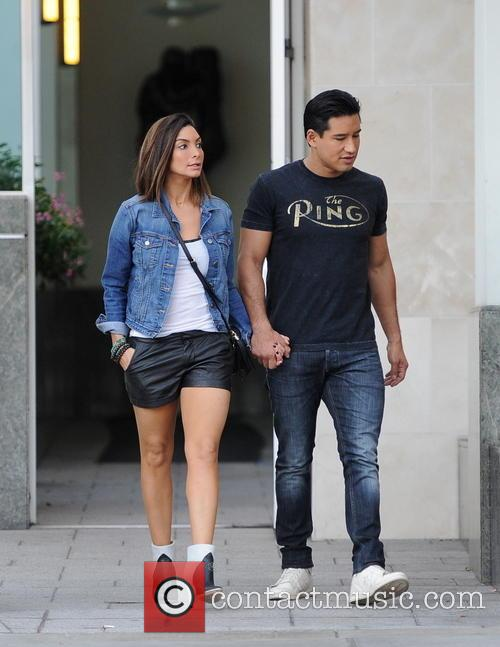 Mario Lopez and Courtney Mazza 4