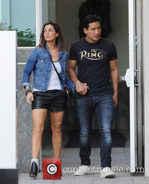 Mario Lopez and Courtney Mazza 8