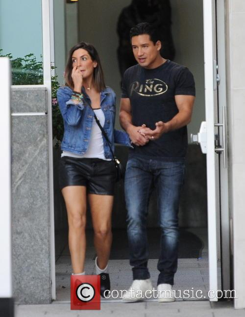 Mario Lopez and Courtney Mazza 9