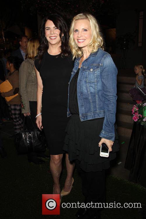 Lauren Graham and Monica Potter 3