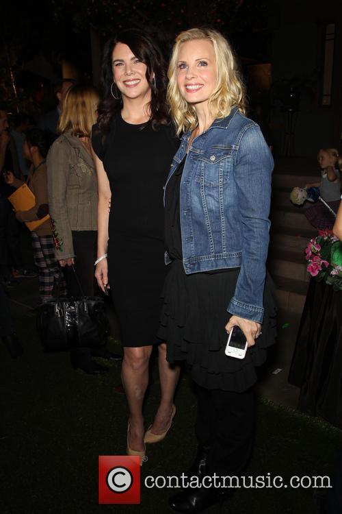 Lauren Graham and Monica Potter 4