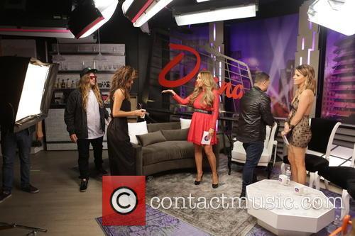 Nicole Scherzinger, Diana Madison, Michael Costello, Stephanie Bauer and The Dingo 5