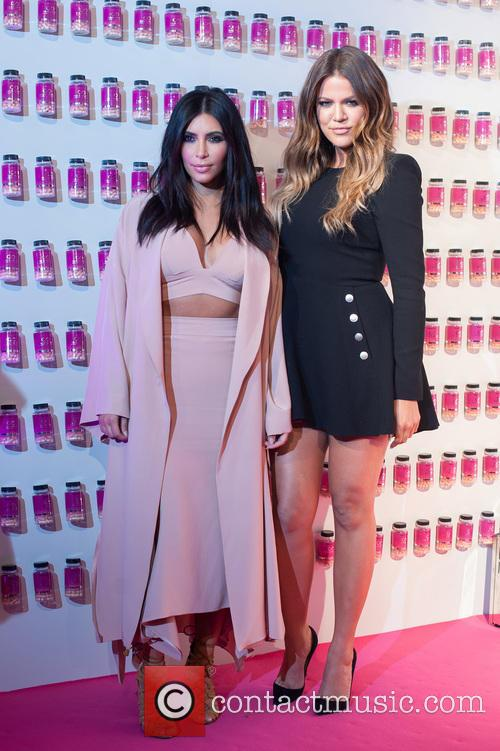Khloé Kardashian and Kim Kardashian West 8