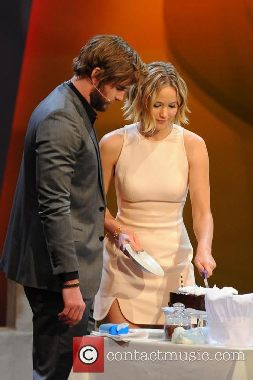 Liam Hemsworth and Jennifer Lawrence 11