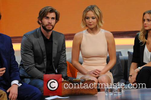Liam Hemsworth and Jennifer Lawrence 1