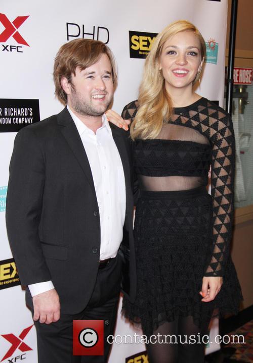 Haley Joel Osment and Abby Elliott 10