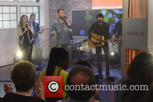 Dave Haywood, Hillary Scott, Charles Kelley and Lady Antebellum 5
