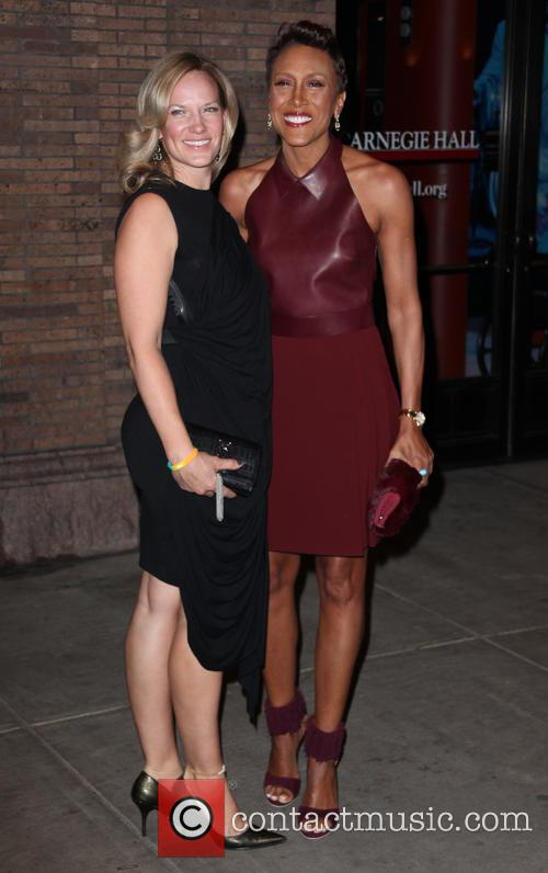Amber Laign and Robin Roberts 4