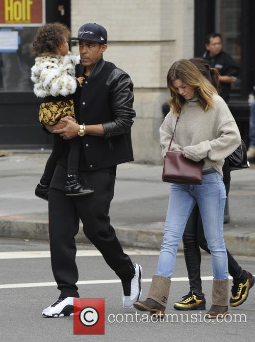 Ellen Pompeo, Chris Ivery and Stella Pompeo Ivery 8