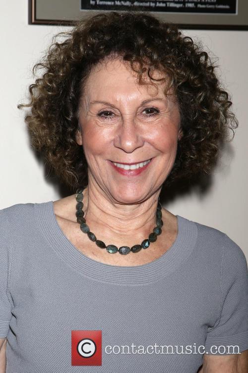 Rhea Perlman 6