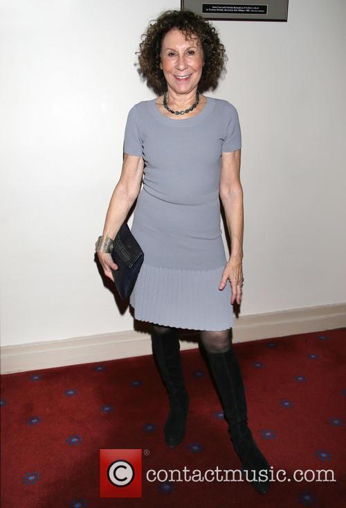 Rhea Perlman 11