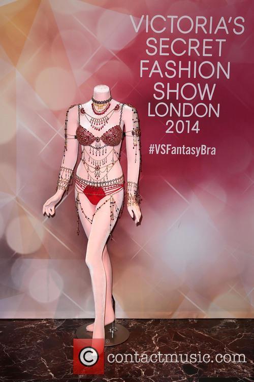 Alessandra Ambrosio and Victoria's Secret Fantasy Bra 2