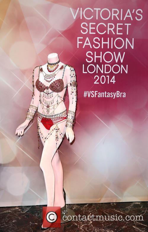 Alessandra Ambrosio and Victoria's Secret Fantasy Bra 4