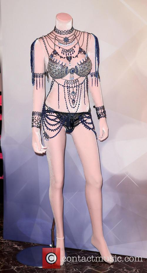 Alessandra Ambrosio and Victoria's Secret Fantasy Bra 5