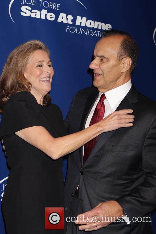 Meredith Vieira and Joe Torre 8