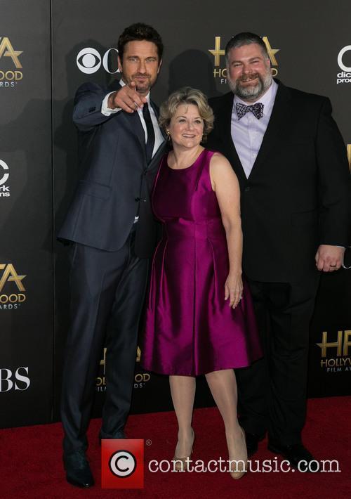 Gerard Butler and Parents 2