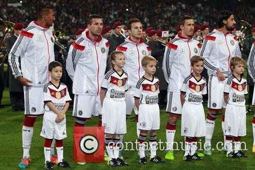 Manuel Neuer and Shkodran Mustafi 3