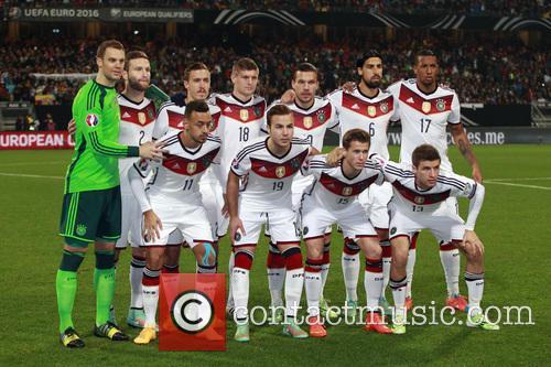Manuel Neuer and Shkodran Mustafi 5