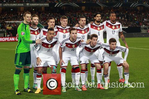 Manuel Neuer and Shkodran Mustafi 1