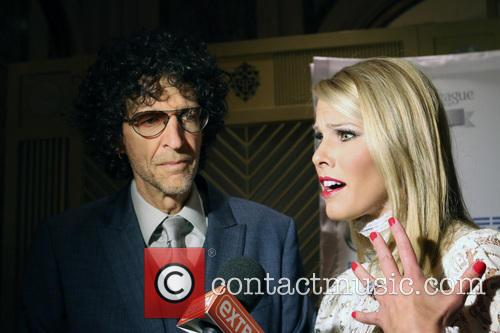 Howard Stern and Beth Ostrosky Stern 4