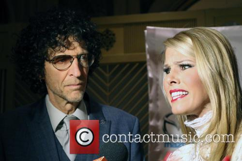 Howard Stern and Beth Ostrosky Stern 5