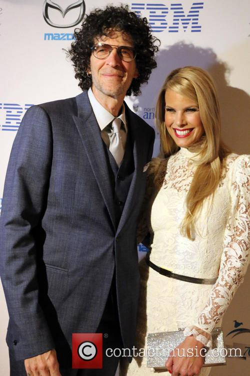 Howard Stern and Beth Ostrosky Stern 11