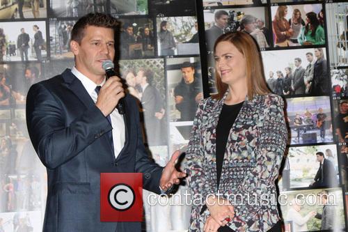 David Boreanaz and Emily Deschanel 6