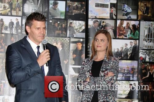 David Boreanaz and Emily Deschanel 1