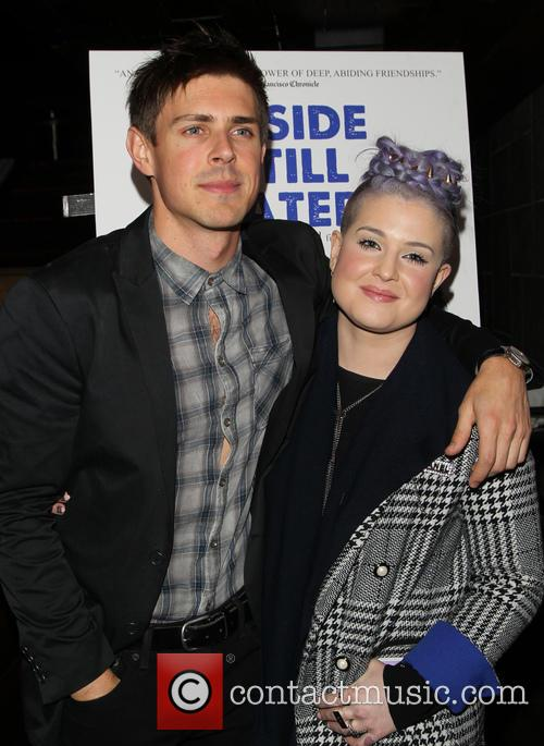 Chris Lowell and Kelly Osbourne 9