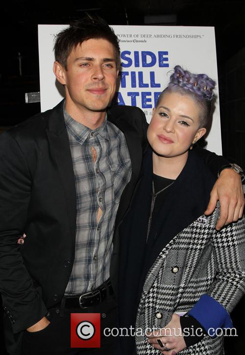Chris Lowell and Kelly Osbourne 10