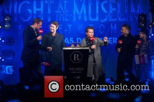 Jamie Theakston, Emma Bunton, Take That, Gary Barlow, Howard Donald and Mark Owen 4