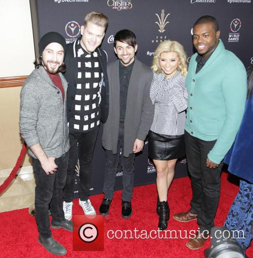Avi Kaplan, Kirstie Maldonado, Scott Hoying, Mitch Grass, Kevin Olusola and Pentatonix 1