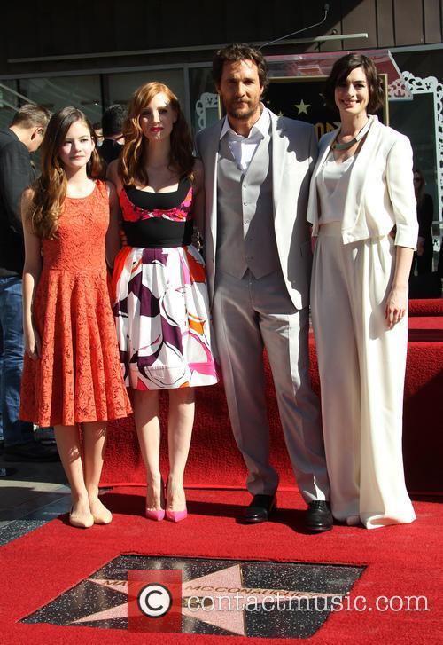 Mackenzie Foy, Jessica Chastain, Matthew Mcconaughey and Anne Hathaway 2