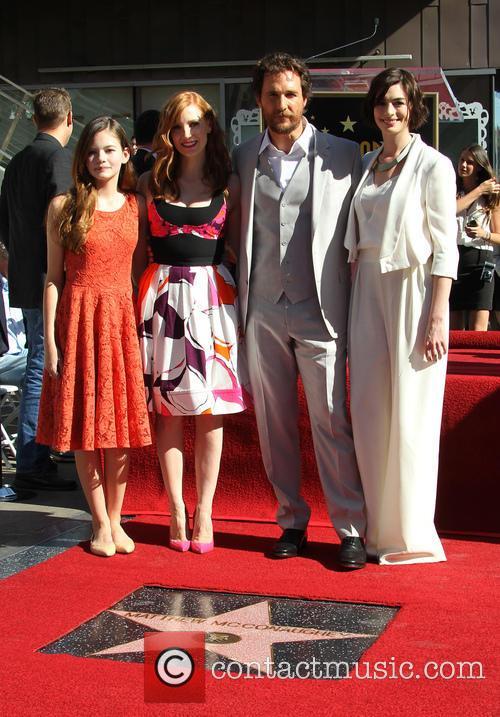 Mackenzie Foy, Jessica Chastain, Matthew Mcconaughey and Anne Hathaway 6
