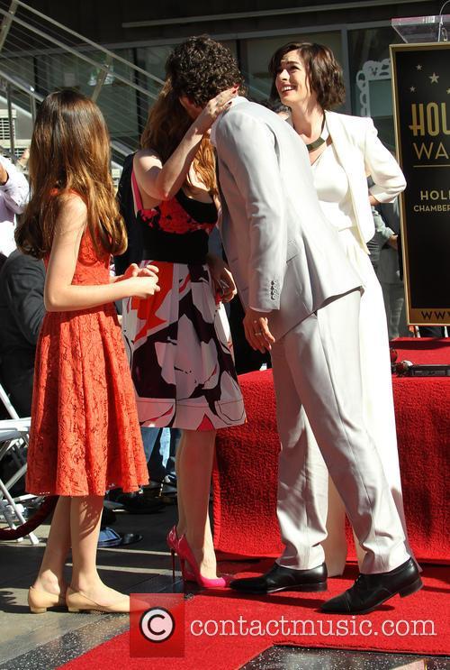 Mackenzie Foy, Matthew Mcconaughey, Anne Hathaway and Jessica Chastain 3