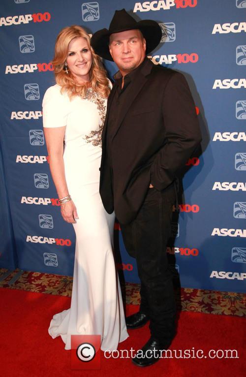Trisha Yearwood and Garth Brooks 4