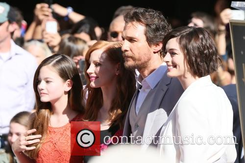 Mackenzie Foy, Jessica Chastain, Matthew Mcconaughey and Anne Hathaway 10