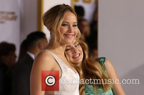 Jennifer Lawrence and Willow Shields 6