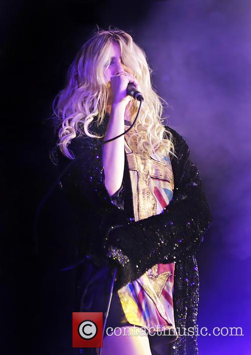 Taylor Momsen and The Pretty Reckless 4