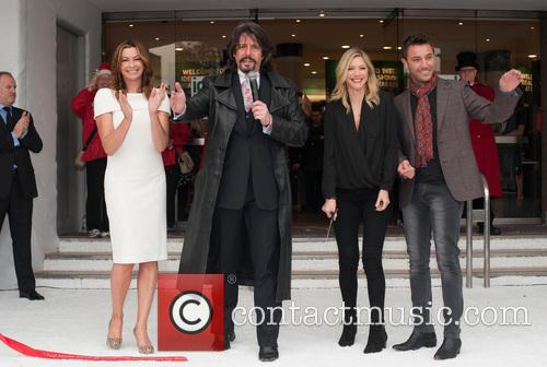 Laurence Llewelyn-bowen, Lisa Faulkner, Gino D'acampo and Suzi Perry 4
