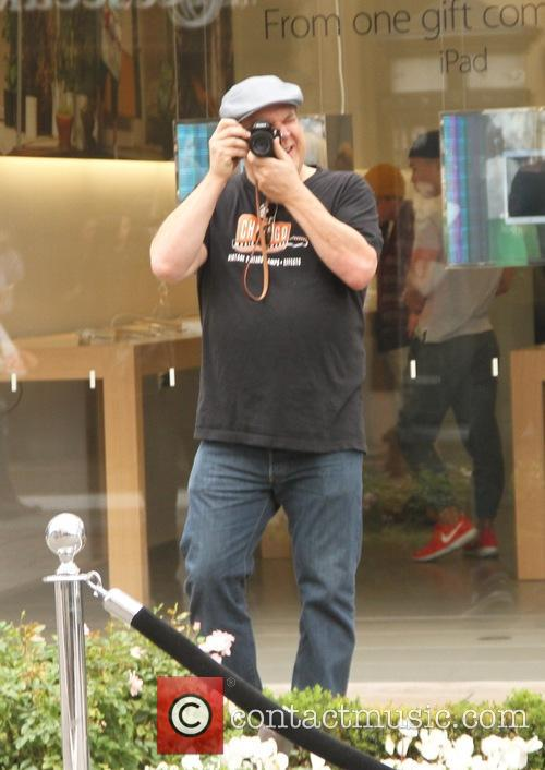 Jeff Garlin shopping at The Grove