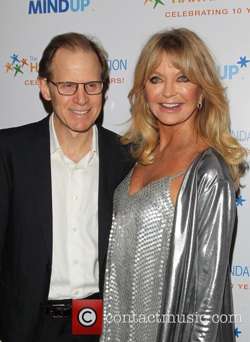 Daniel J. Siegel and Goldie Hawn 5