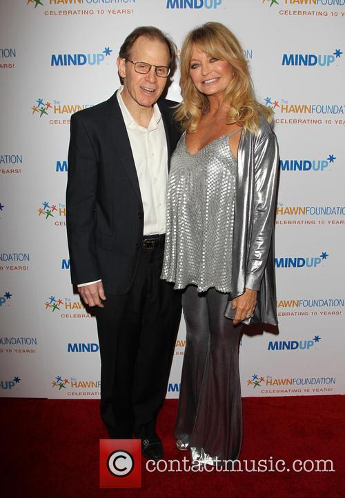 Daniel J. Siegel and Goldie Hawn 6