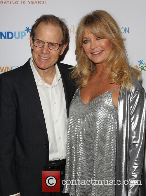 Daniel J. Siegel and Goldie Hawn 7