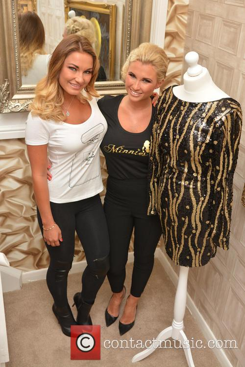 Billie Faiers and Sam Faiers 4