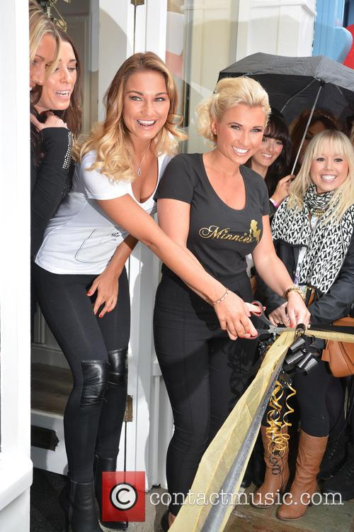 Billie Faiers and Sam Faiers 9