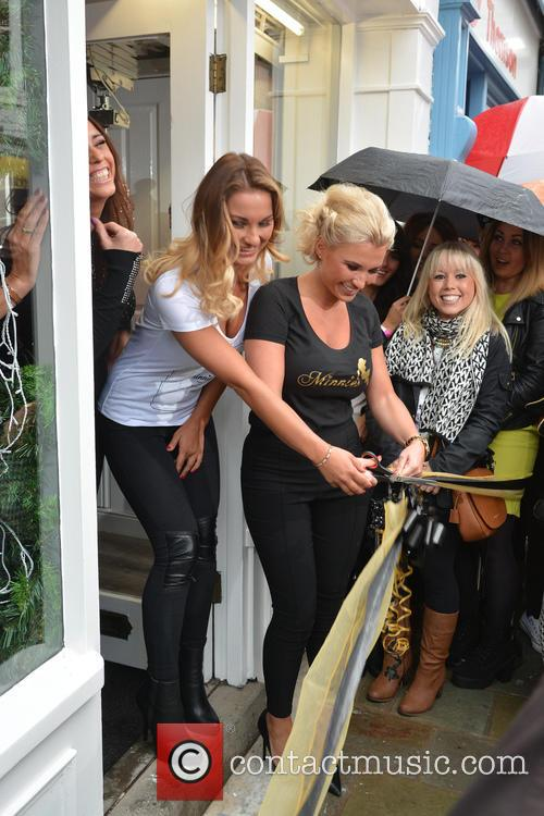 Billie Faiers and Sam Faiers 10