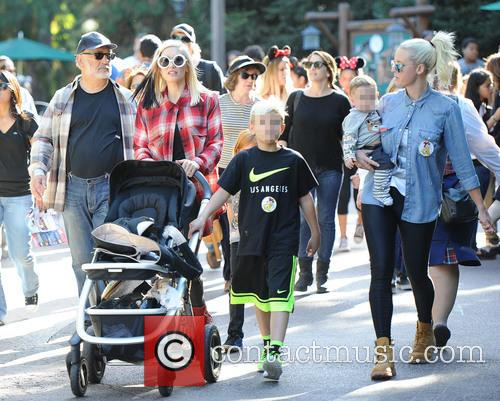 Gwen Stefani, Kingston Rossdale and Apollo Rossdale 7
