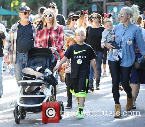 Gwen Stefani, Kingston Rossdale and Apollo Rossdale 8